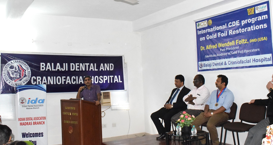 Prof Rangarajan addressing the audience on the relevance of CDE programs to the dental profession