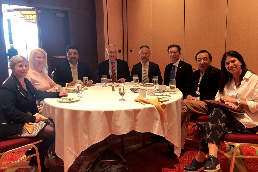 Dr SM Balaji with members of the Education Committee , FDI and members of the American Dental Association