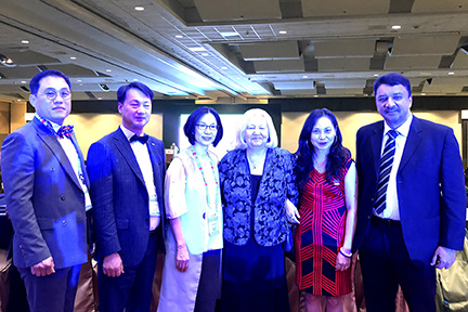 Prof SM Balaji with Prof Kathryn Kell, President, FDI and others at the conclusion of the conference
