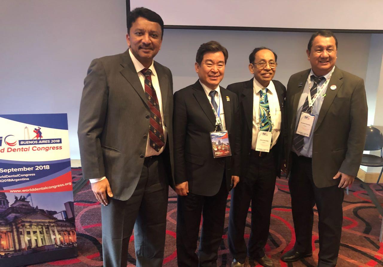 Dr SM Balaji with Dr Moon Kyeong-sook, President, Korean Dental Association, Dr Oliver Hennedige