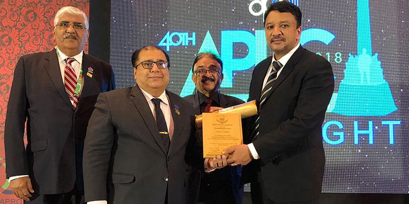 Pakistan Dental Association's Humanitarian Award conferred on Prof SM Balaji