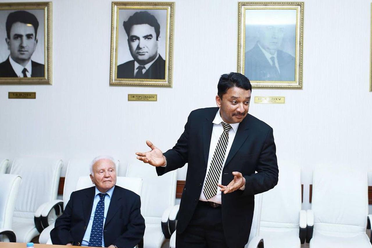 Dr SM Balaji presenting ways to improve Craniomaxillofacial surgical care in the country
